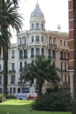 Edificio Esq. Juncal y Plaza Independecia